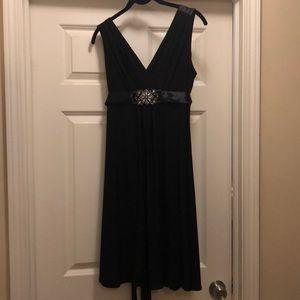 Dainty black cocktail dress  🥂
